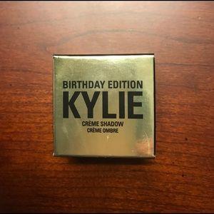 Kylie Cosmetics Creme Eyeshadow in Rose Gold